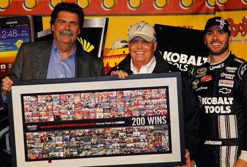 NSCS Recap: At long last! Johnson wins 200th for owner Rick Hendrick