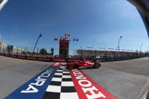 Scott Dixon crosses the start-finish line in Toronto -- Photo by: Chris Jones