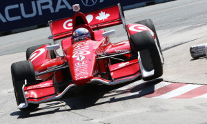 Scott Dixon turns into Turn 10 in Toronto -- Photo by: Chris Jones