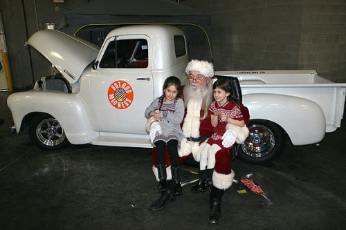 Holiday Open House & Cruise-In at Streetside Classics