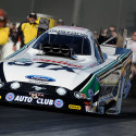 Defending NHRA Mello Yello Drag Racing Series Funny Car world champ John Force and 2012 Top Fuel world champion Antron Brown put down the fastest runs in their respective […]
