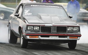 116_0402_10z+oldsmobile_drag_car+right_front_view