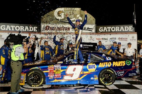 Chase Elliott charges to his second consecutive Nationwide win at Darlington