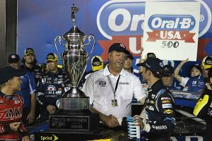 Atlanta Motor Speedway President Ed Clark congratulates Kasey.