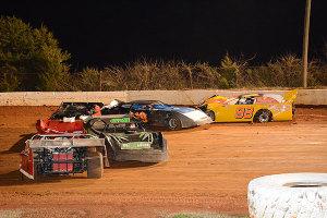 Five car pileup during Sportsman Late Model race