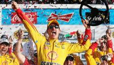 Joey Logano captured his first career Daytona 500 victory on Sunday, holding off a surging Kevin Harvick in a final three-lap, green-white-checkered finish to bring home a second Daytona 500 […]