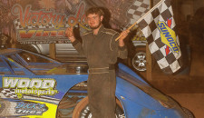 Story courtesy of Senoia Raceway/Photos by Francis Hauke: Clint 'Cat Daddy' Smith continued his unbeaten streak in the Super Late Model division at Senoia Raceway Saturday night.  The four-time Southern All-Star […]