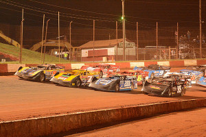Four-wide salute to the Dixie race fans