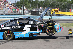 Cheez it 355 logano sweeps the glen for Watkins motor lines tracking