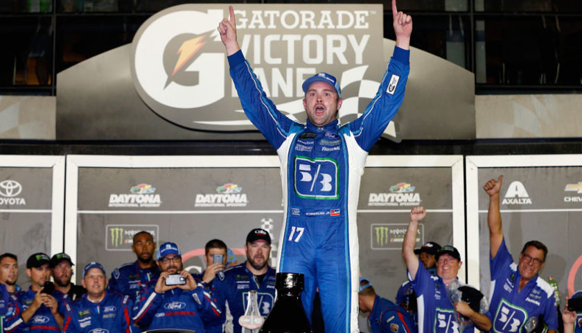 Ricky Stenhouse Jr. wins second straight plate race in wild Coke Zero 400