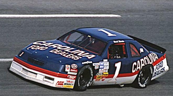 Clint Bowyer's Darlington Throwback Paint Scheme Honors NASCAR Hall of Famer Mark Martin